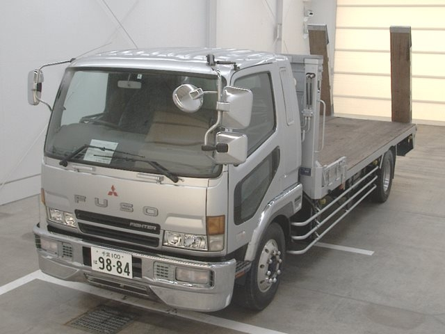 Эвакуатор MITSUBISHI FUSO FIGHTER спереди
